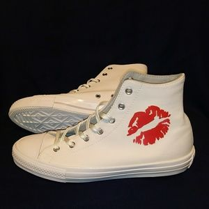 NWT Converse Chuck Taylor All Star Kiss Red Lips Boutique